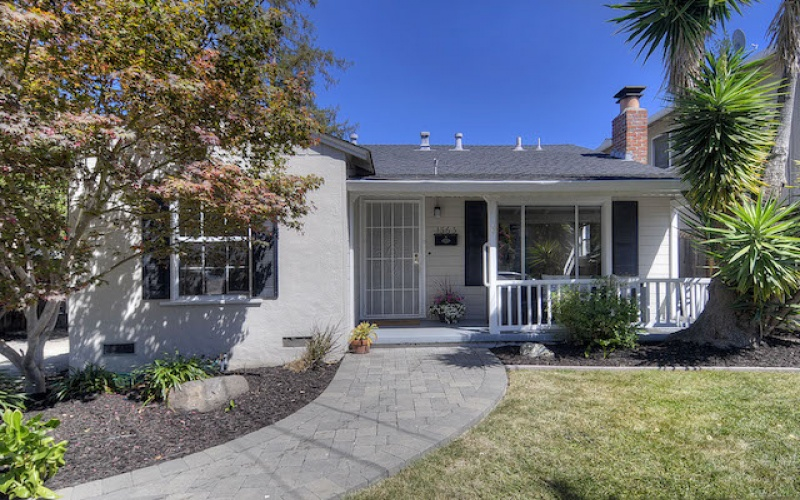 Curb Appeal & R-2 Zoning!