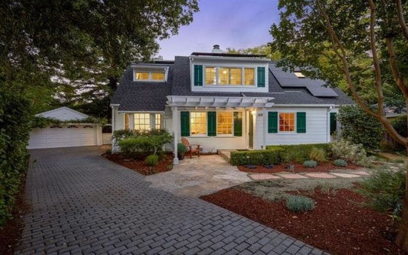 Represented Buyer for New England Charmer in Redwood City